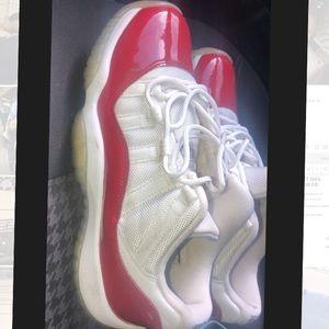 Retro Jordan 11 cherry red